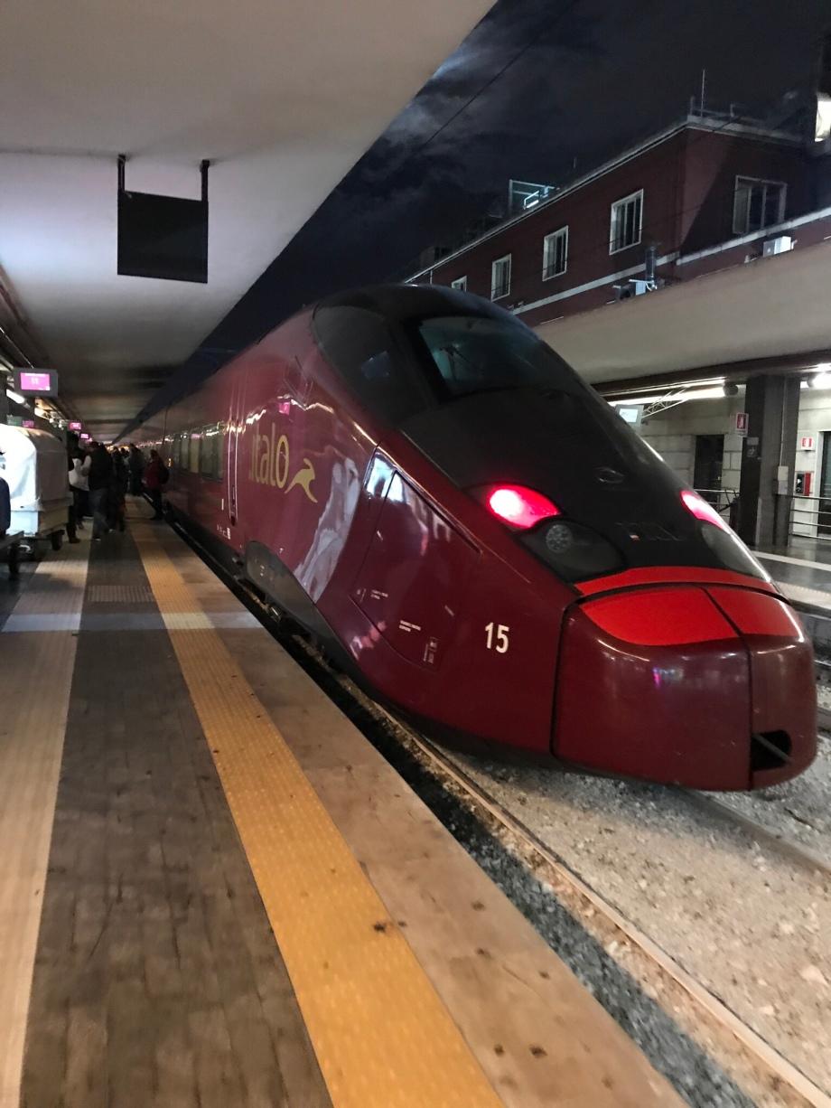 Tremendous Chapter Wanderlust Italo Highspeed Train Napoli Rome Beatyapartments Chair Design Images Beatyapartmentscom